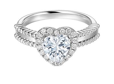 订婚挑选70分钻戒够大吗?0.7克拉钻石戒指价格