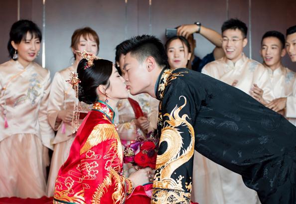 張培萌北京結婚,泰達女神張漠寒DR結婚鉆戒引人注目